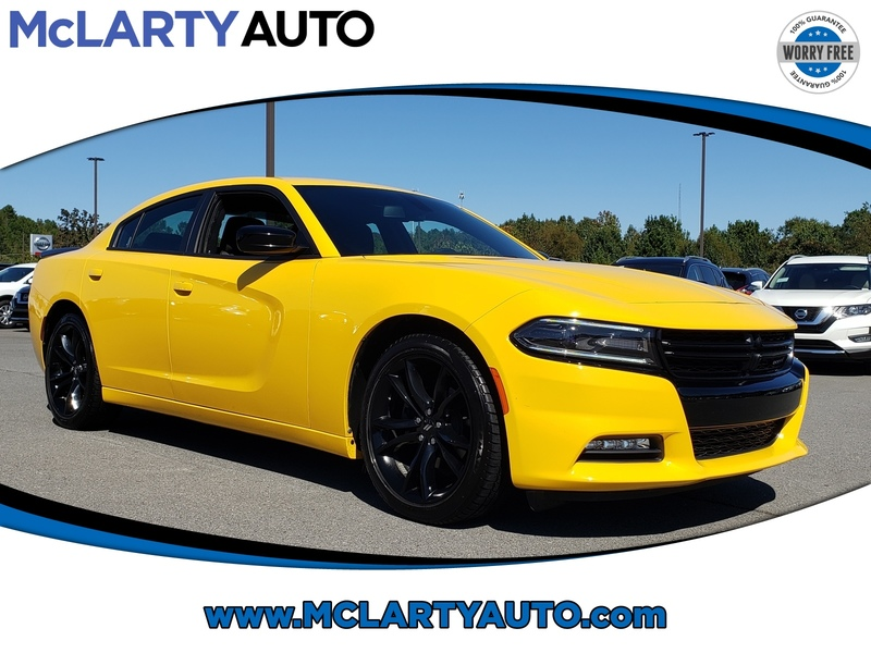 Pre-Owned 2017 DODGE CHARGER SXT RWD