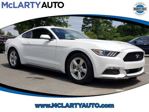Pre-Owned 2017 FORD MUSTANG V6 FASTBACK