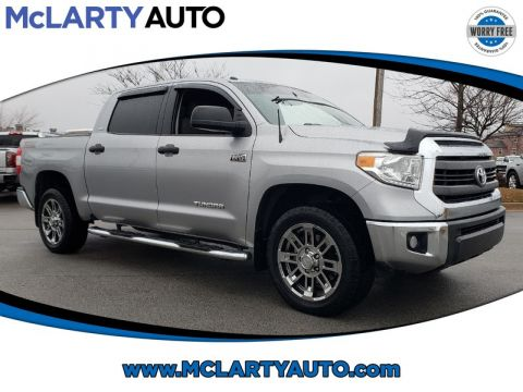 Pre-Owned 2015 TOYOTA TUNDRA CREWMAX 5.7L FFV V8 6-SPD AT SR5